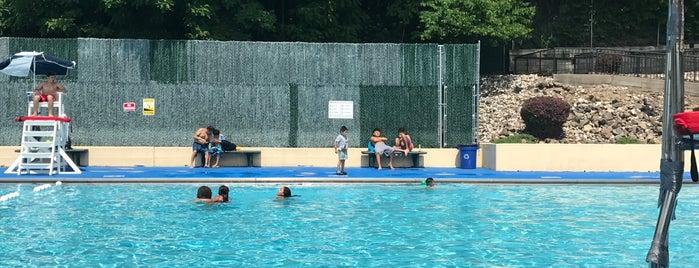 West New York Swim Club is one of Orte, die Paco gefallen.