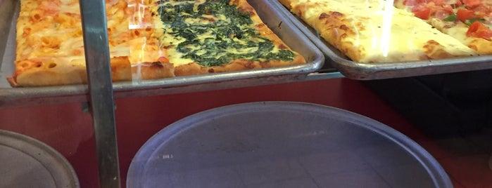 Pompei Pizza is one of Locais curtidos por Drew.