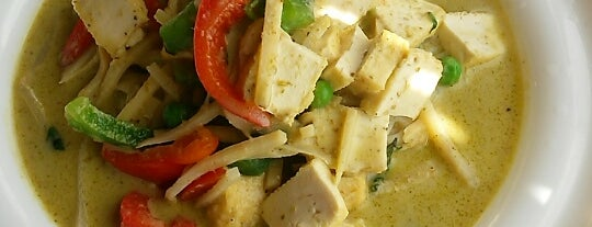Tusk Thai Cuisine is one of Andy : понравившиеся места.