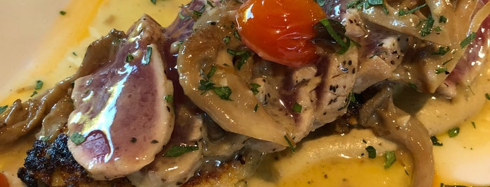 Matteo's Osteria is one of Maui drinks & dining.