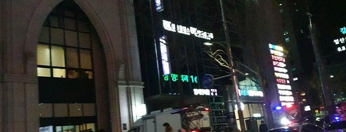 신사동 is one of K.