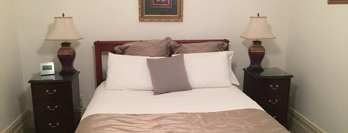 Cobb & Co Court Boutique Hotel is one of Mudgee.