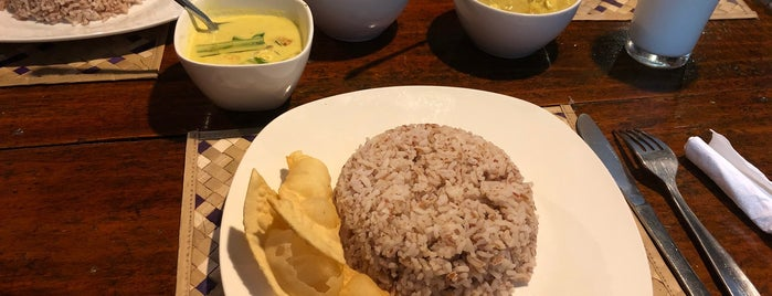 Home Grown rice and curry Restaurant is one of Sri Lanka.