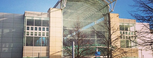 The Mall at Cribbs Causeway is one of ♥ Joanna ♥'ın Kaydettiği Mekanlar.