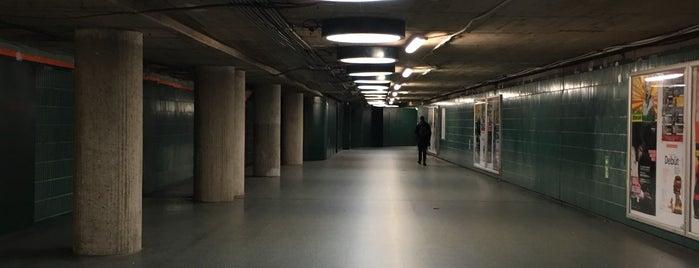 U Schloßstraße is one of 1 | 111 Orte in Berlin die man gesehen haben muss.