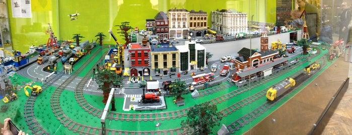 GameBrick. музей-выставка моделей из кубиков LEGO is one of СПб — музеи и интересные места.