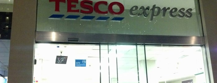 Tesco Express is one of Locais curtidos por Karen.
