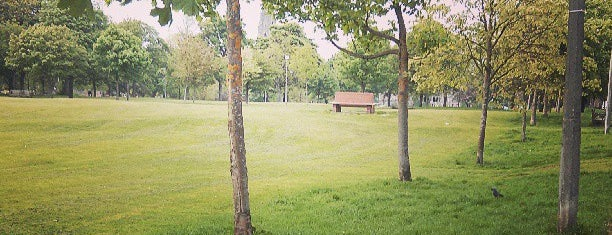 Bruntsfield Links is one of Edinburgh To Do Before Graduating List.