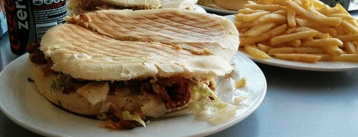 Burger El Dorado II is one of Juan Antonioさんのお気に入りスポット.