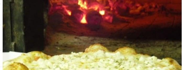 Pizzaria e Cantina Parma Kasher is one of Orte, die Rosangela gefallen.