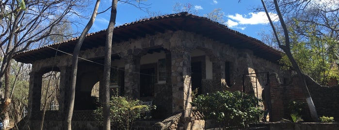 La Casita de piedra is one of Sahuayork.