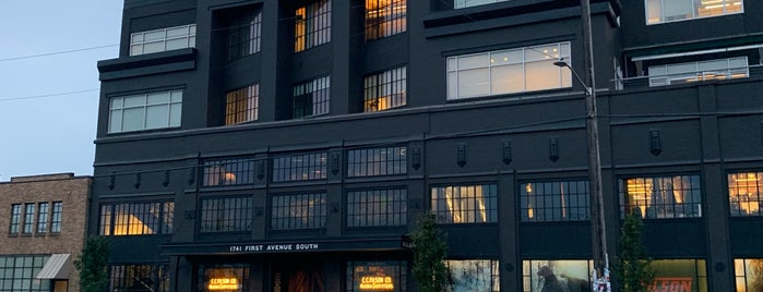 Filson Flagship Store is one of Cusp25さんのお気に入りスポット.