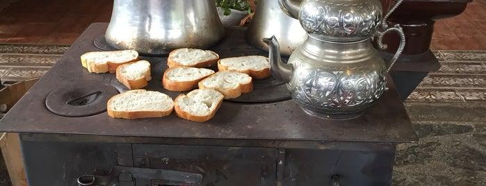Sana Garden Restorant is one of Locais curtidos por GizSin.