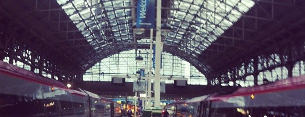 Manchester Piccadilly Railway Station (MAN) is one of Ricardoさんのお気に入りスポット.