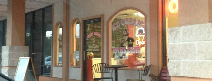 Sweet Annie's of Marco is one of MARCO ISLAND.