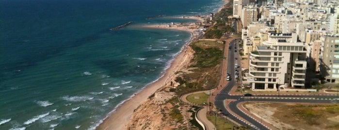 Netanya is one of สถานที่ที่ Alexander ถูกใจ.
