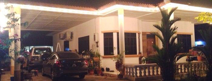 Badrul's Sweet Home is one of . 💟 a t e n : понравившиеся места.