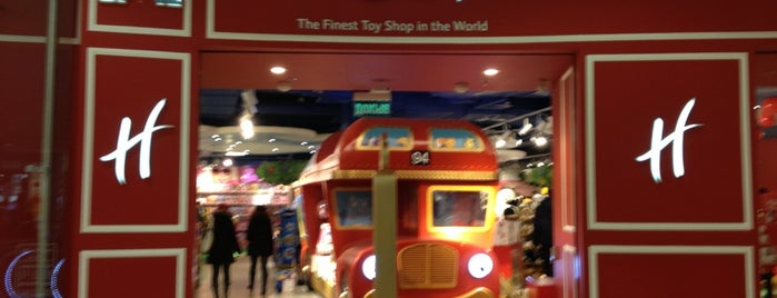 Hamleys is one of Marina 님이 좋아한 장소.