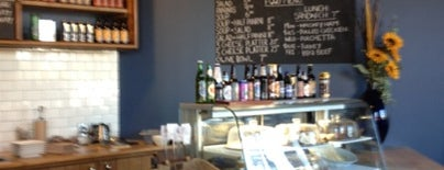 Gravity Espresso & Wine Bar is one of Lieux qui ont plu à Leigha.