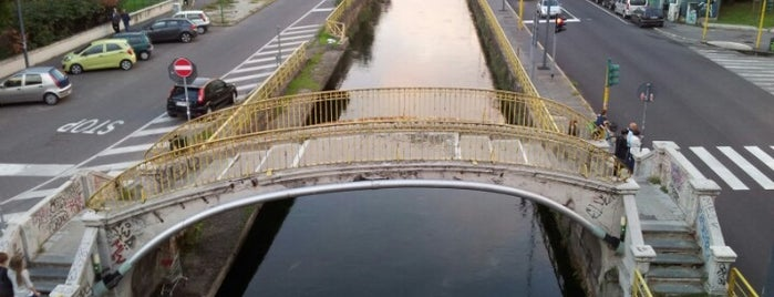 Naviglio Pavese Bridge #5 is one of Милан.