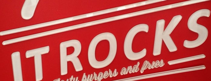 It Rocks is one of Burger in Paris.