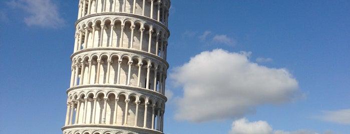 Torre de Pisa is one of Sitios Internacionales.