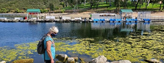 Lake Poway Recreation Area is one of Posti che sono piaciuti a John.