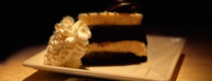 The Cheesecake Factory is one of Lolin'in Beğendiği Mekanlar.