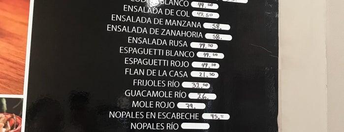 Pollos Río is one of Lugares favoritos de Emmanuel.