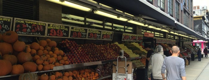 Westside Market is one of Lugares favoritos de Jenn.