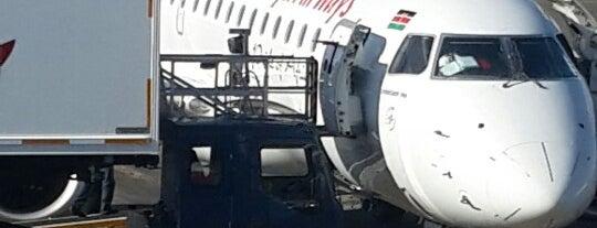 Jomo Kenyatta International Airport (NBO) is one of สนามบินนานาชาติ (1).