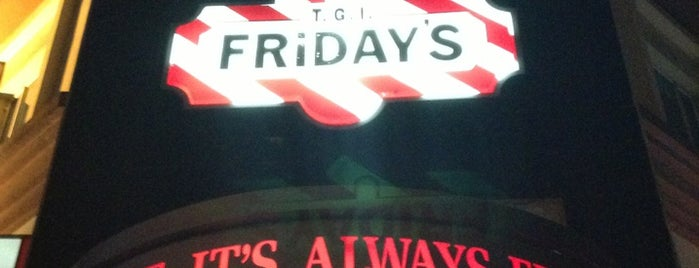 TGI Fridays is one of Tempat yang Disukai Peachy.