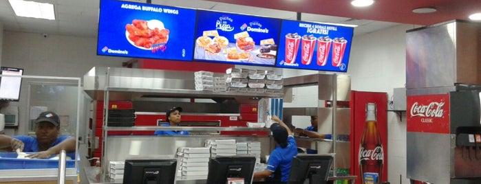 Domino's Pizza is one of Pizzerias Italiana comida.