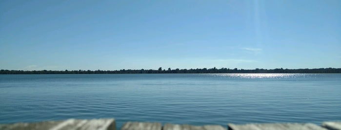 Horseshoe Lake is one of Lieux qui ont plu à Gordon.