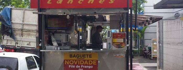 Fininho Lanches is one of Orte, die Hugo gefallen.