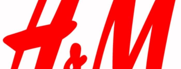 H&M is one of Lugares favoritos de Дмитрий.
