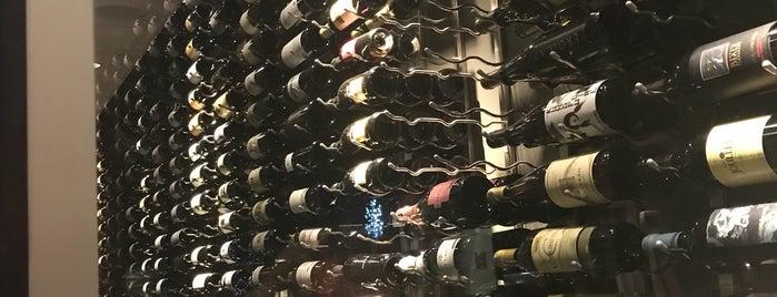 Wine Dive + Kitchen is one of Matthew'in Beğendiği Mekanlar.