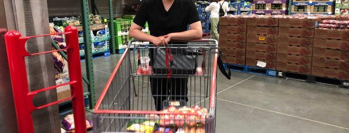 Costco Wholesale is one of Lieux qui ont plu à Chris.