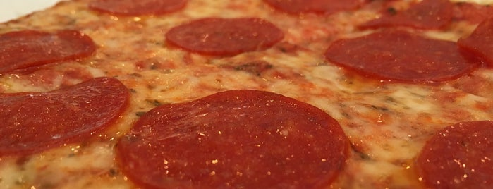 The Original NY Pizza is one of Ericさんのお気に入りスポット.