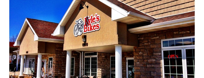 Kyle's Bikes is one of สถานที่ที่ Brian ถูกใจ.