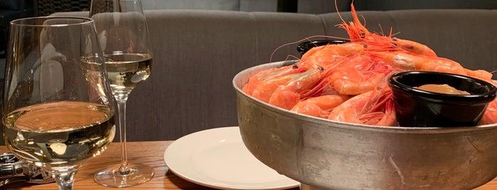 Юнга Seafood & Bar is one of Saint P.