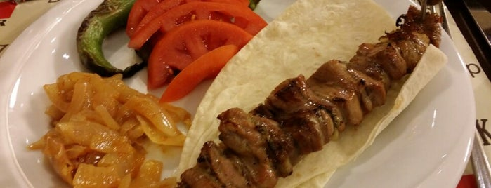25 Mart Oltu Cağ Kebap is one of Locais curtidos por Resul.