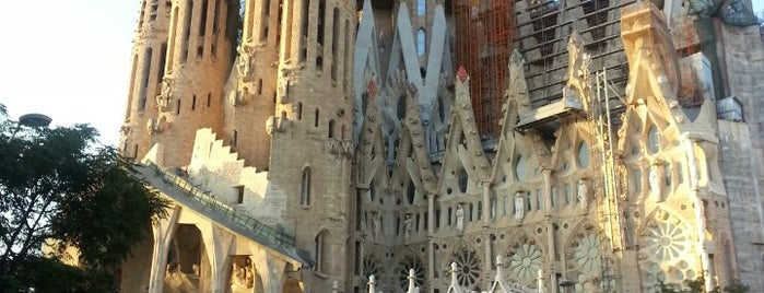 Sagrada Família is one of Barcelona- La Gente Esta Muy Loca.