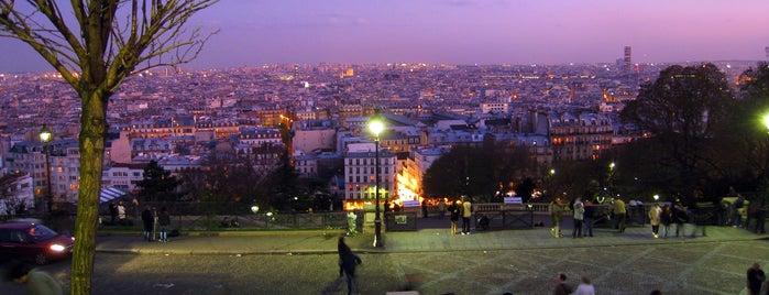 Montmartre is one of สถานที่ที่ İkra ถูกใจ.