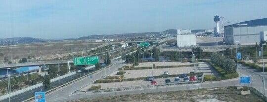 Διεθνές Αεροδρόμιο Αθηνών is one of Orte, die Nora gefallen.