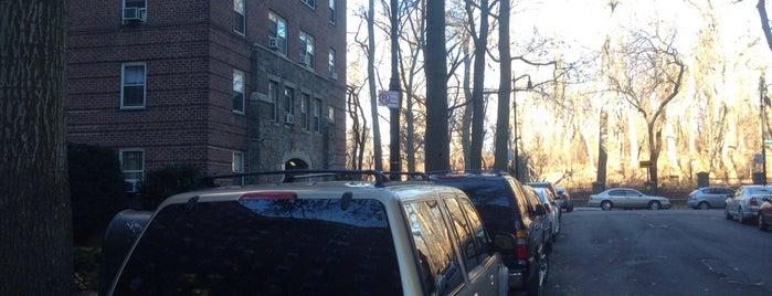 Amalgamated Housing Corporation is one of Bronx Museum Spots.
