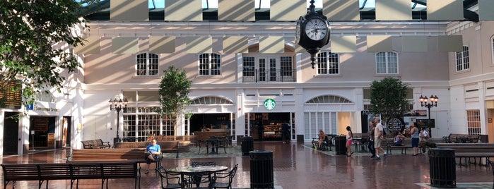 Savannah Square is one of Tempat yang Disukai Nicole.