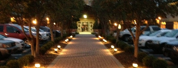 Meadowview Conference Resort & Convention Center is one of Southern Jets Innanashional Layover Hotels.