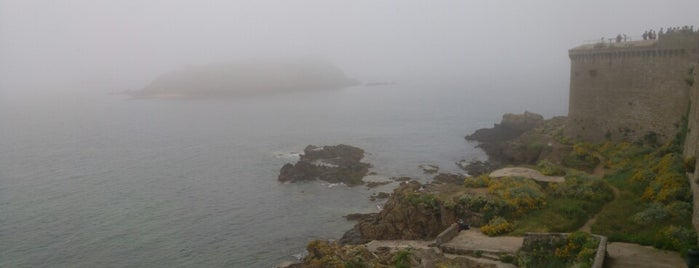 Remparts de Saint-Malo is one of David 님이 좋아한 장소.