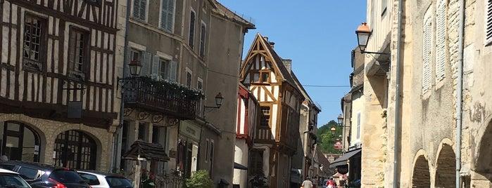 Noyers is one of Les plus beaux villages de France.